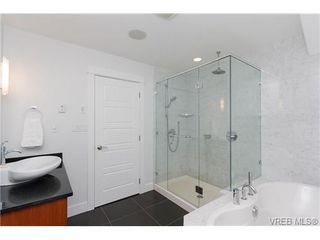 Photo 13: 450 Moss Street in VICTORIA: Vi Fairfield West Single Family Detached for sale (Victoria)  : MLS®# 346428