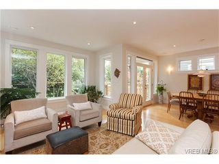 Photo 10: 450 Moss Street in VICTORIA: Vi Fairfield West Single Family Detached for sale (Victoria)  : MLS®# 346428