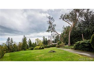 Photo 2: 3094 Island View Rd in SAANICHTON: CS Island View House for sale (Central Saanich)  : MLS®# 724824