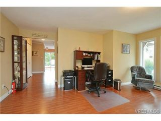 Photo 2: 2526 Toth Pl in VICTORIA: La Mill Hill Single Family Detached for sale (Langford)  : MLS®# 727198