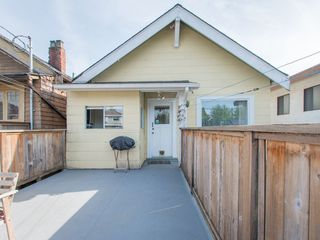 "Photo 15: 853 E 20TH Avenue in Vancouver: Fraser VE House for sale in ""FRASER"" (Vancouver East)  : MLS®# R2061206"