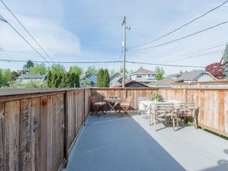 "Photo 14: 853 E 20TH Avenue in Vancouver: Fraser VE House for sale in ""FRASER"" (Vancouver East)  : MLS®# R2061206"