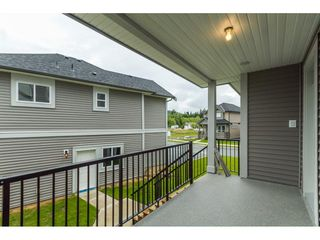 Photo 2: 35936 SHADBOLT Avenue in Abbotsford: Abbotsford East House for sale : MLS®# R2076195