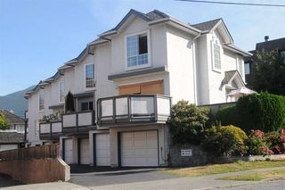 Main Photo: 1 224 W 16TH Street in North Vancouver: Central Lonsdale Townhouse for sale : MLS®# R2102996