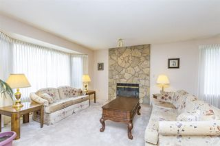 """Photo 2: 19668 SOMERSET Drive in Pitt Meadows: Mid Meadows House for sale in """"SOMMERSET"""" : MLS®# R2113978"""