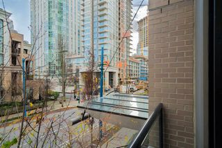 "Photo 12: 204 1295 RICHARDS Street in Vancouver: Downtown VW Condo for sale in ""THE OSCAR"" (Vancouver West)  : MLS®# R2124812"
