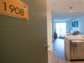 "Photo 2: 1908 3007 GLEN Drive in Coquitlam: North Coquitlam Condo for sale in ""EVERGREEN BY BOSA"" : MLS®# R2131951"