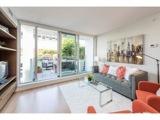 "Photo 2: 214 1635 W 3RD Avenue in Vancouver: False Creek Condo for sale in ""LUMEN"" (Vancouver West)  : MLS®# R2169810"