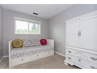"""Photo 15: 34920 MCCABE Place in Abbotsford: Abbotsford East House for sale in """"McMillan area"""" : MLS®# R2175602"""