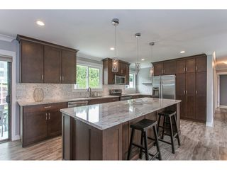 """Photo 6: 34920 MCCABE Place in Abbotsford: Abbotsford East House for sale in """"McMillan area"""" : MLS®# R2175602"""