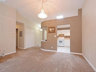 Photo 7: 402 606 Goldstream Ave in VICTORIA: La Fairway Condo for sale (Langford)  : MLS®# 762139