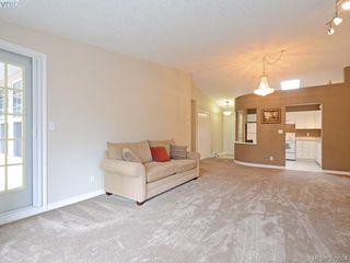 Photo 5: 402 606 Goldstream Ave in VICTORIA: La Fairway Condo for sale (Langford)  : MLS®# 762139