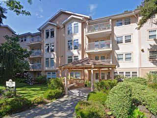 Photo 2: 402 606 Goldstream Ave in VICTORIA: La Fairway Condo for sale (Langford)  : MLS®# 762139