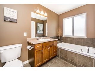 "Photo 14: 55 11720 COTTONWOOD Drive in Maple Ridge: Cottonwood MR Townhouse for sale in ""COTTONWOOD GREEN"" : MLS®# R2184980"