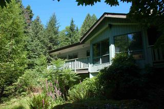 Photo 5: 1457 WOODS ROAD: Bowen Island House for sale : MLS®# R2186060
