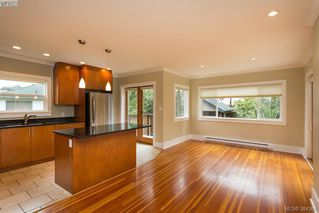Photo 6: 540 Cornwall Street in VICTORIA: Vi Fairfield West Single Family Detached for sale (Victoria)  : MLS®# 384369