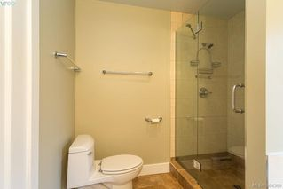 Photo 11: 540 Cornwall Street in VICTORIA: Vi Fairfield West Single Family Detached for sale (Victoria)  : MLS®# 384369