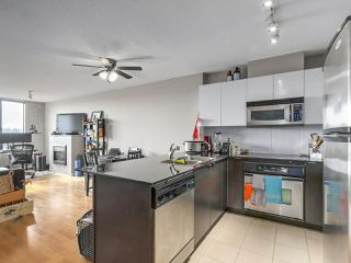 Photo 2: 1607 4118 DAWSON STREET in Burnaby: Brentwood Park Condo for sale (Burnaby North)  : MLS®# R2246789
