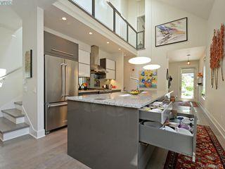 Photo 5: 142 St. Andrews St in VICTORIA: Vi James Bay Half Duplex for sale (Victoria)  : MLS®# 787996