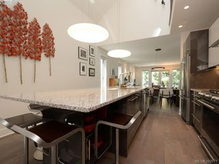 Photo 4: 142 St. Andrews St in VICTORIA: Vi James Bay Half Duplex for sale (Victoria)  : MLS®# 787996