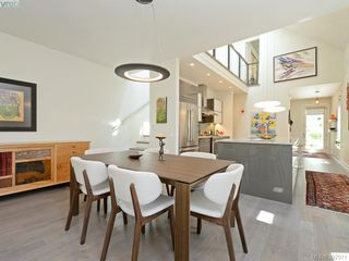 Photo 2: 142 St. Andrews St in VICTORIA: Vi James Bay Half Duplex for sale (Victoria)  : MLS®# 787996
