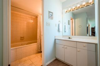 """Photo 9: 1202 69 JAMIESON Court in New Westminster: Fraserview NW Condo for sale in """"PALACE QUAY"""" : MLS®# R2279582"""
