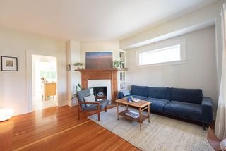 Photo 3: 558 E 27TH Avenue in Vancouver: Fraser VE House for sale (Vancouver East)  : MLS®# R2285398