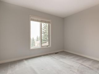 Photo 18: 636 STRATTON Terrace SW in Calgary: Strathcona Park Semi Detached for sale : MLS®# C4203169