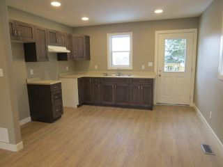 Photo 3: 8 Rydberg Street: Hughenden House for sale : MLS®# E4130487