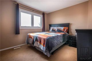Photo 8: 498 Meadowood Drive in Winnipeg: Residential for sale (2E)  : MLS®# 1827558