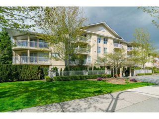 "Main Photo: 103 13727 74 Avenue in Surrey: East Newton Condo for sale in ""KINGS COURT"" : MLS®# R2326120"