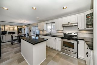 Photo 7: 16973 60A Avenue in Surrey: Cloverdale BC House for sale (Cloverdale)  : MLS®# R2361966