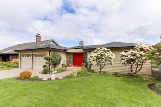 "Photo 1: 98 WOODLAND Drive in Delta: Tsawwassen East House for sale in ""TERRACE"" (Tsawwassen)  : MLS®# R2362123"