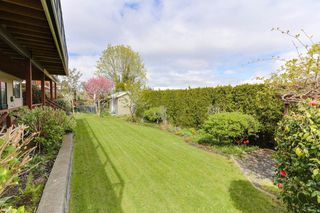"Photo 19: 98 WOODLAND Drive in Delta: Tsawwassen East House for sale in ""TERRACE"" (Tsawwassen)  : MLS®# R2362123"