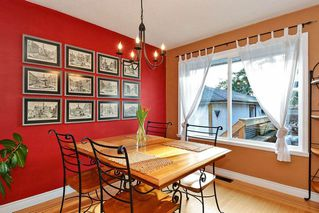 Photo 4: 14436 17 Avenue in Surrey: Sunnyside Park Surrey House for sale (South Surrey White Rock)  : MLS®# R2373739