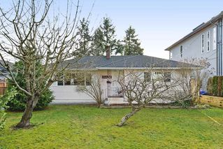 Photo 1: 14436 17 Avenue in Surrey: Sunnyside Park Surrey House for sale (South Surrey White Rock)  : MLS®# R2373739