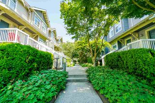 "Photo 3: 35 7488 SOUTHWYNDE Avenue in Burnaby: South Slope Townhouse for sale in ""LEDGESTONE I"" (Burnaby South)  : MLS®# R2374262"