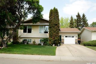 Photo 3: 231 Charlebois Crescent in Saskatoon: Silverwood Heights Residential for sale : MLS®# SK774067