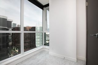 Photo 7: 2052 38 SMITHE Street in Vancouver: Downtown VW Condo for sale (Vancouver West)  : MLS®# R2391602