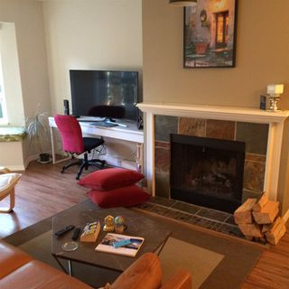 """Photo 4: 102 1925 W 2ND Avenue in Vancouver: Kitsilano Condo for sale in """"WINDGATE BEACHSIDE"""" (Vancouver West)  : MLS®# R2433264"""