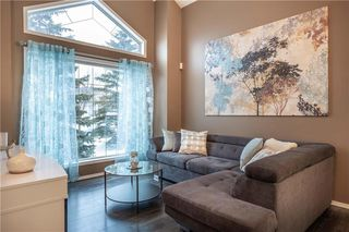 Photo 3: 54 Caldwell Crescent in Winnipeg: Whyte Ridge Residential for sale (1P)  : MLS®# 202004817