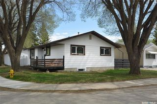 Photo 2: 88 Richmond Crescent in Saskatoon: Richmond Heights Residential for sale : MLS®# SK809377