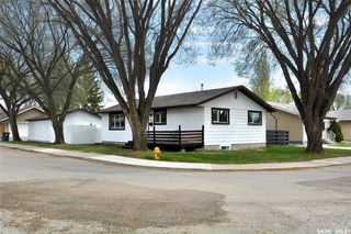 Photo 3: 88 Richmond Crescent in Saskatoon: Richmond Heights Residential for sale : MLS®# SK809377