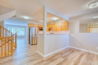 Photo 12: 6 LINCOLN Green SW in Calgary: Lincoln Park Row/Townhouse for sale : MLS®# A1026784