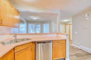 Photo 10: 6 LINCOLN Green SW in Calgary: Lincoln Park Row/Townhouse for sale : MLS®# A1026784