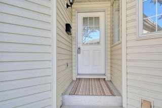 Photo 2: 6 LINCOLN Green SW in Calgary: Lincoln Park Row/Townhouse for sale : MLS®# A1026784