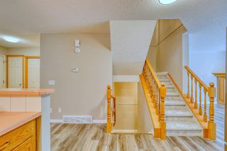 Photo 11: 6 LINCOLN Green SW in Calgary: Lincoln Park Row/Townhouse for sale : MLS®# A1026784