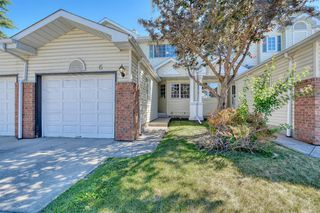 Photo 1: 6 LINCOLN Green SW in Calgary: Lincoln Park Row/Townhouse for sale : MLS®# A1026784
