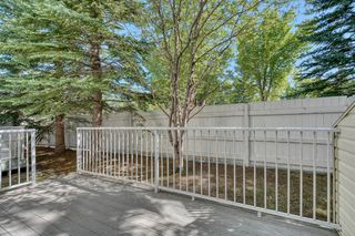 Photo 32: 6 LINCOLN Green SW in Calgary: Lincoln Park Row/Townhouse for sale : MLS®# A1026784