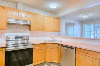 Photo 9: 6 LINCOLN Green SW in Calgary: Lincoln Park Row/Townhouse for sale : MLS®# A1026784